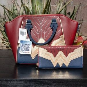 NWT Loungefly Wonder Woman Bag & Wallet 🔥
